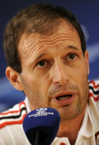 Prensa Milanista Ac-milan-entrenador-brasileno-massimiliano-allegri-habla-conferencia-prensa-2-noviembre-2010-centro-entrenamiento-milanello-carnago-vispera-partido-su-equipo-liga-campeones-contra-real-madr-rf_280636