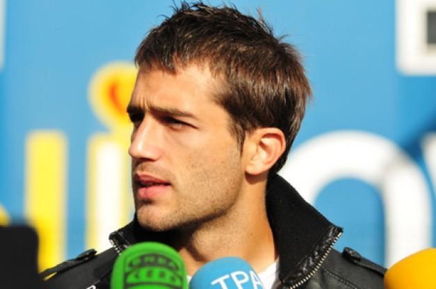 Aitor Sanz es entrevistado
