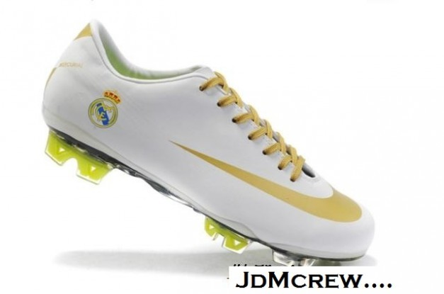 Real Madrid New Soccer Cleat