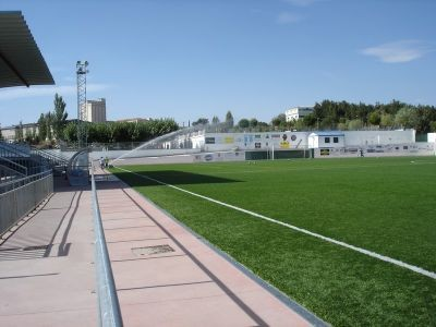 Foto campo del guijuelo cesped artificial - Cesped artificial colombia ...