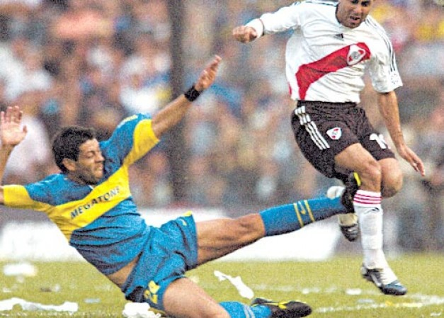 """FIFA: """"La patada de Hazard es la peor de la historia&qu"""